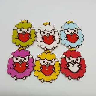 12.12 Sale Buttons Wooden Assorted Sheep 6 pcs