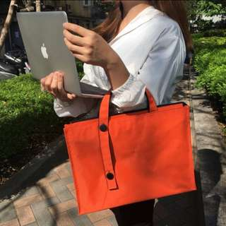 🚚 全新🌟Light Lab B5 可調節 手提包👜 亮橘色 日本設計 文具 文件包 A-7650
