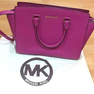 Michael Kors AUTHENTIC Large Selma Fuschia Bag