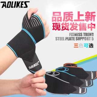 【安琪館】  護腕帶 AOLIKES 原廠正品 運動護腕 護腕 高透氣 舉重腕帶 護掌 (另有護膝 護裸可選購)