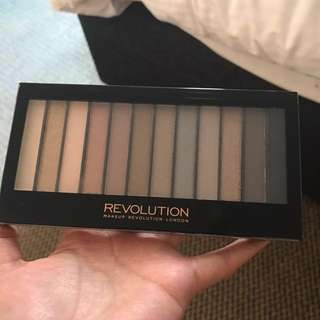 Make up revolution redemption palette 2