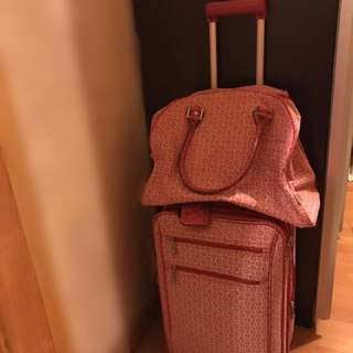 Guess Luggage Suitcase with Handbag Pink