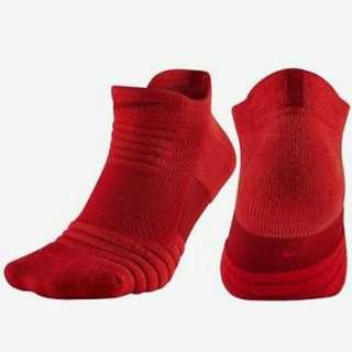 Nike Elite Versatility Socks Low Red size large 🔥