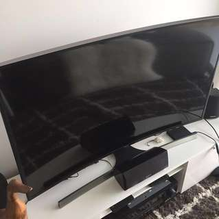 """42"""" Samsung 4K UHD Curved Smart TV with remote and Keyboard"""