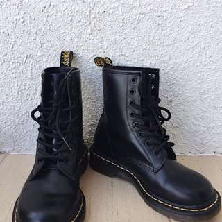Dr. Martens 1460 boots in Black