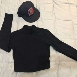 Turtle neck top with 2 hats