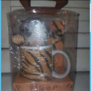 In stock Tiger Print Mug With Tiger Soft Toy