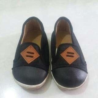 Sale 12.12 Sepatu anak merk fashion size 24