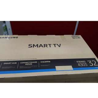 SAMSUNG SMART TV 32 INCH J4303 Series 4 !  1 day sale