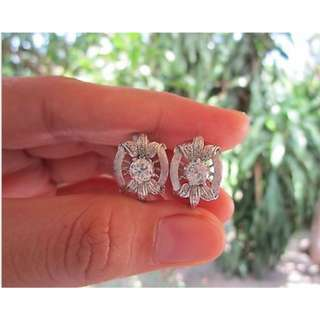 .90 Carat Diamond White Gold Vintage Earrings 10k