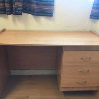Light Wood desk in good condition