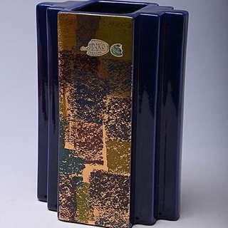 日本泥金藍釉瓷瓶