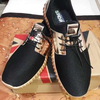 Fashion brand unisex sports to casual sneakers