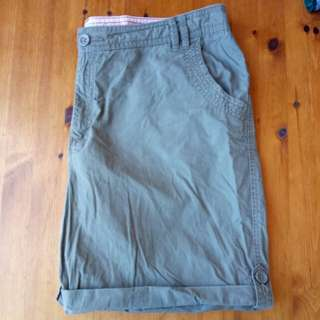 Size 14/16 green shorts