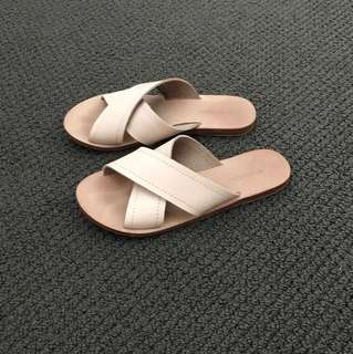 Witchery size 37 Sandals