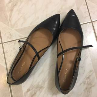 *PRICE DROP - Calvin Klein Flats - Black Leather