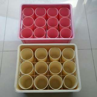 Plastic cups set with carry crate