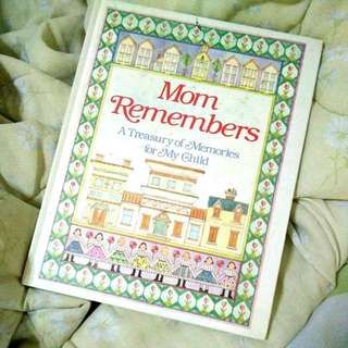 For Moms and Moms-To-Be: Mom Remembers and Baby Book