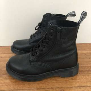 Dr Martens Womens Pascal 8-Eye Boot Size 38