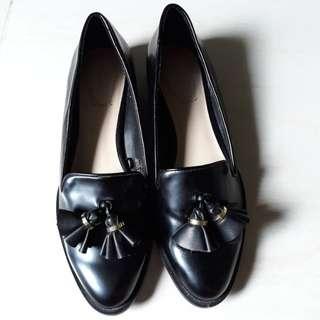 ZARA WOMAN black loafer with tassels