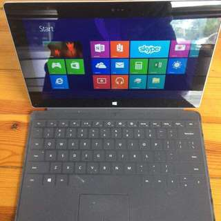Window Surface 2 come with detachable keyboard