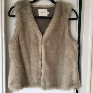 Aritzia: Talula faux fur vest