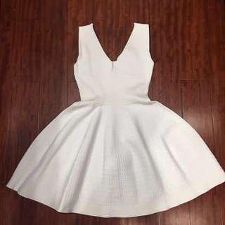 🚚 V領 純白無袖洋裝 收腰
