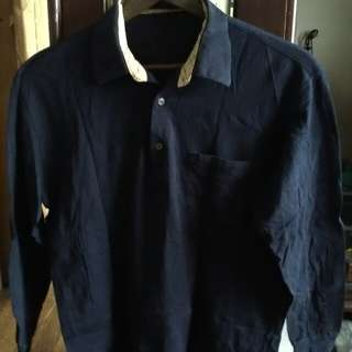 Dark blue longsleeved polo shirt