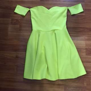 Apartment 8 yellow green dress size Small code D2007