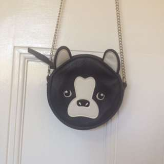BLACK AND WHITE FAUX LEATHER PUPPY DOG FACE SHOULDER BAG WITH CHAIN