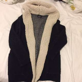 Cozy knit sweater (Zara)