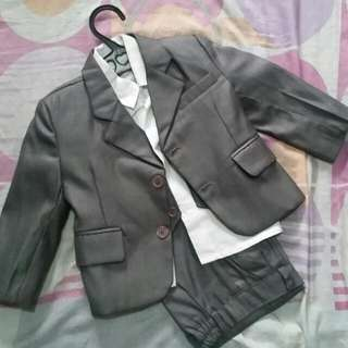 3 PC SUITE COMPLETE SET WITH WHITE POLO FOR 2 TO 3 YRS OLD. BRAND NEW