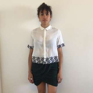 Cropped embroidery shirt