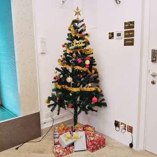 Christmas tree with deco