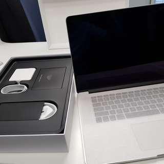 15 inch macbook pro silver A1398