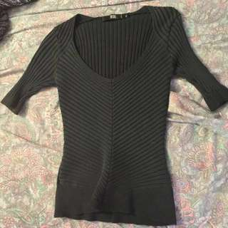Short Sleeve Black V-neck Top