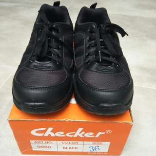 Black school shoes - checker