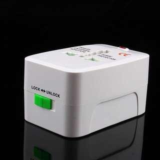 全球通用萬用轉換插頭 (旅行專用  轉插 多功能充電器 轉換器 美國中國歐洲澳洲東南亞)