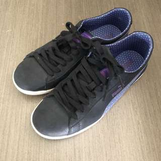 Puma black casual shoes size 7