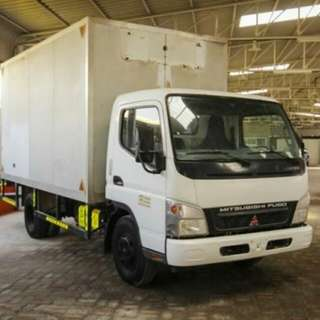 10 footer box lorry with driver