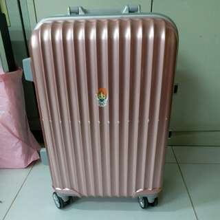 4 Wheels Luggage Size H 21inch W 13inch,  repair before
