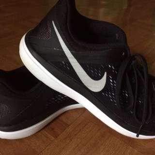 Preloved Nike Flex