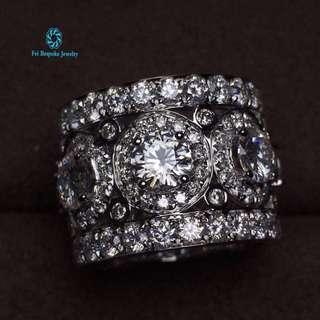 18K 白金 足反鑽石豪華鑲嵌戒指(歡迎詢價)