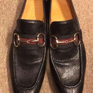 Gucci black lizard leather shoes size 40
