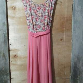 Long dreas pink lucu