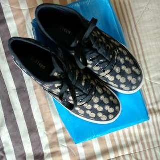 Sepatu kets no brand