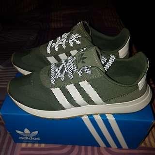 Sepatu adidaa FLB W