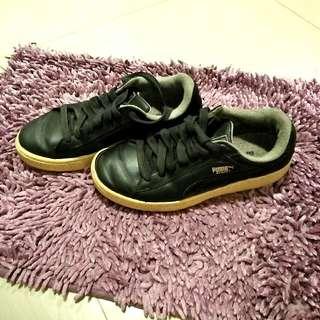 Original Puma black leather shoes