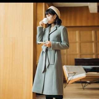 Pinkoi  陳安妮 2017新款純色收腰長款毛呢外套