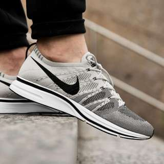 Nike Flyknit Trainer - Grey / Gray